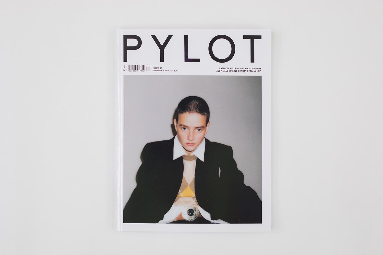 PYLOT-Issue-07-Product-shots-02